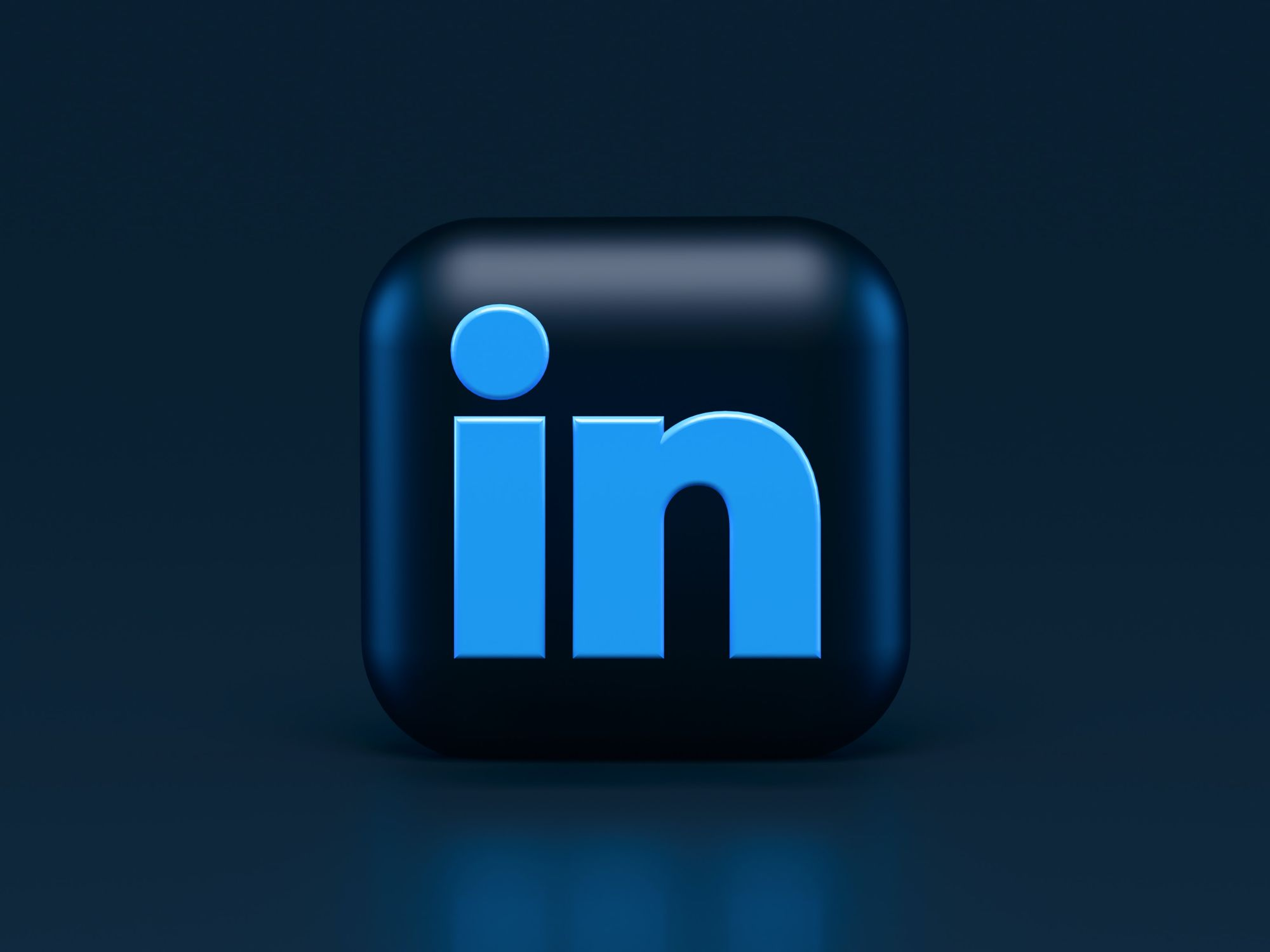 How to Use LinkedIn for Sales: Walkthrough from Finding a Lead to Closing a Deal [+ Tools]