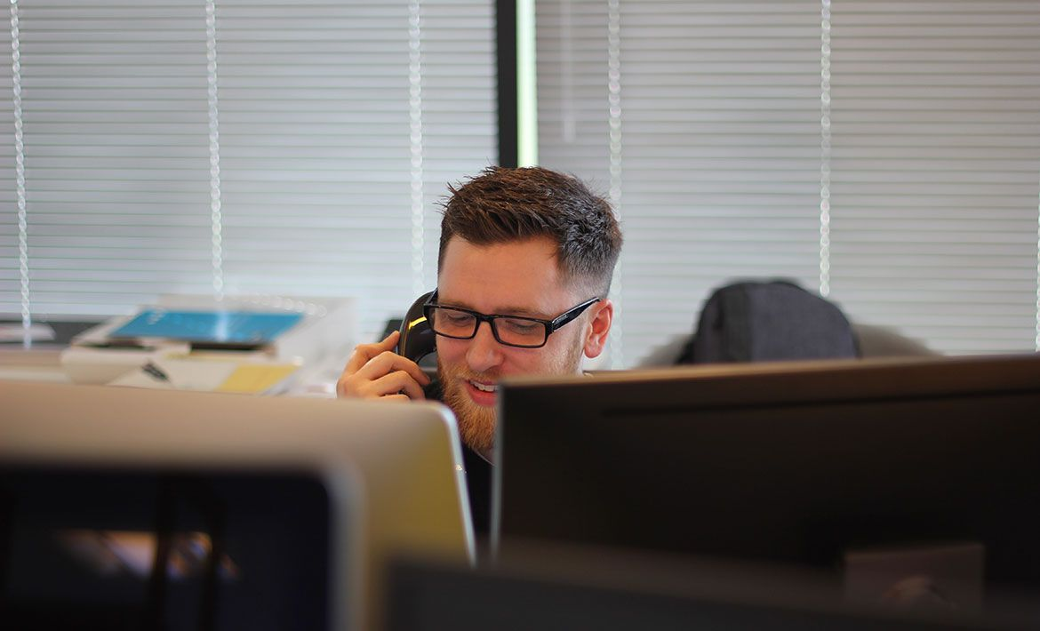 Heating up the Hotline: A Guide to Cold-Calling (With Templates)